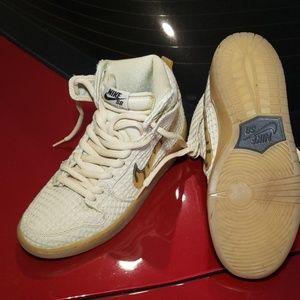 Nike Dunks Sb